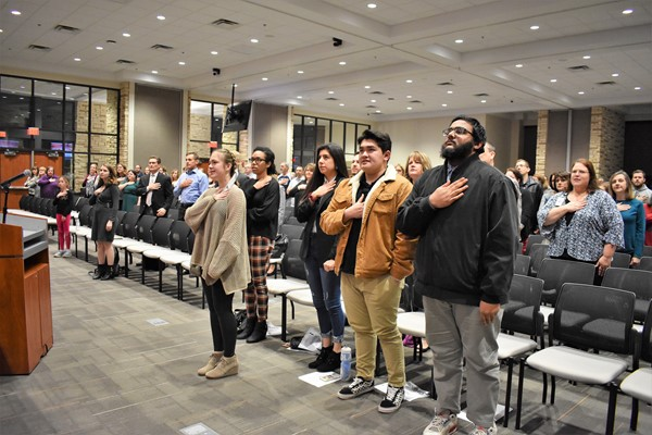students lead pledge of allegiance